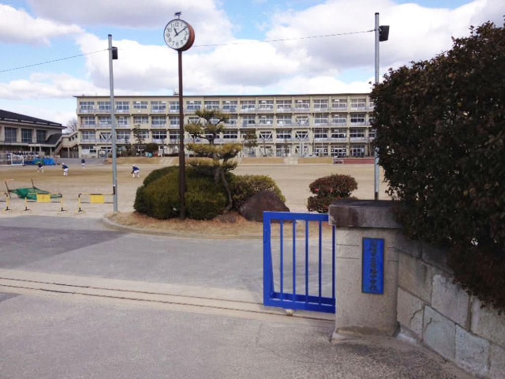 竜海中学校(周辺)